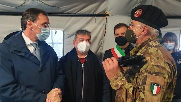 Covid: Boccia, ospedali da campo soluzione per l'emergenza