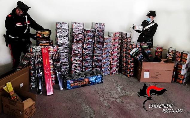 Botti: sequestrati 403 fuochi pirotecnici, alta pericolosità