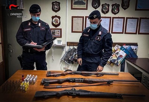 A caccia con fucili con matricola abrasa, tre arresti