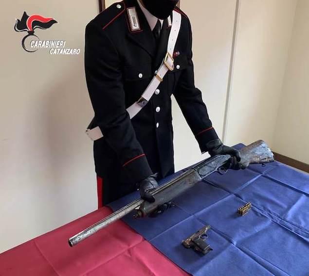 Curinga (CZ). In manette 73enne per detenzione abusiva di armi