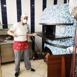 """Lamezia. """"Gennaro O'Napulitano e figli"""" donano pizze al reparto di pediatria"""