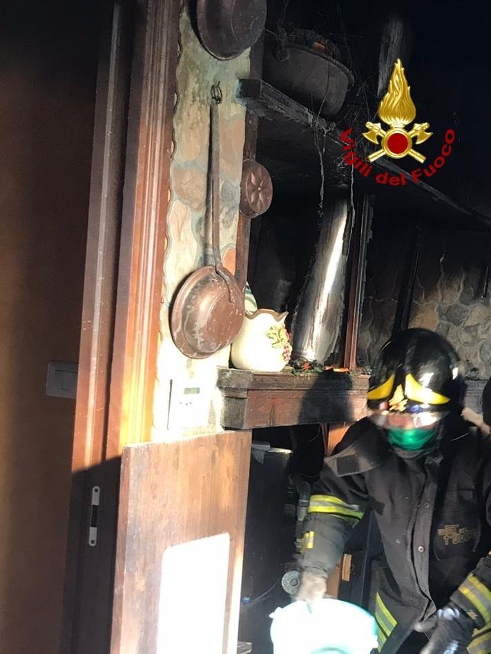 Maida (CZ). Incendio in una abitazione, tanta paura ma nessun ferito