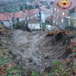 Smottamento a ridosso di un centro abitato, evacuate 40 persone