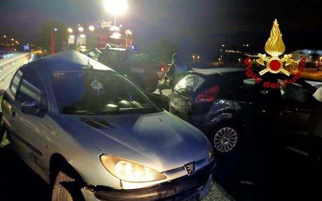 Catanzaro. Incidente stradale nei pressi della Cittadella regionale, due feriti