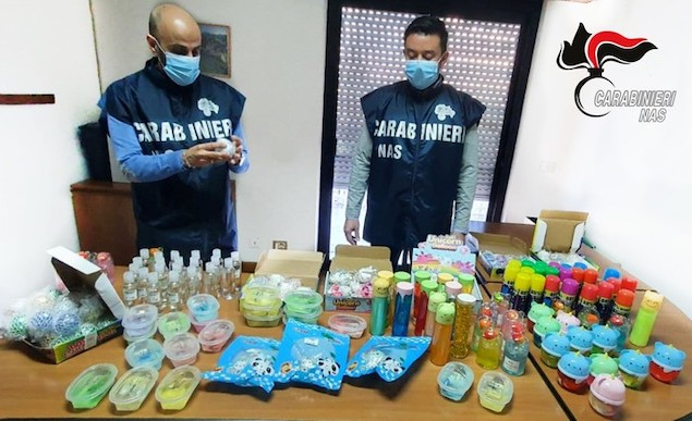 Covid: Nas sequestrano gel igienizzante privo di autorizzazioni