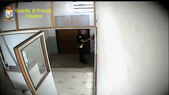 Assenteismo: sospeso per 3 mesi funzionario Polizia locale