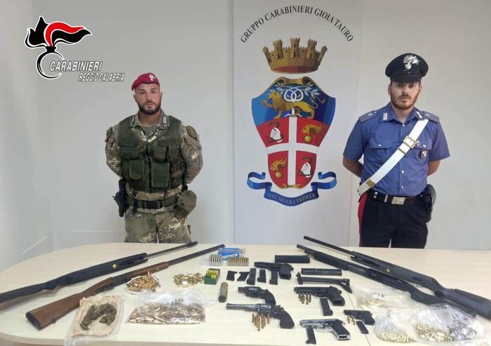 Armi: arsenale sparso scoperto a Gioia Tauro, 2 arresti