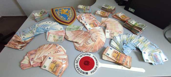 Camionista trovato con 135 mila euro, denaro sequestrato