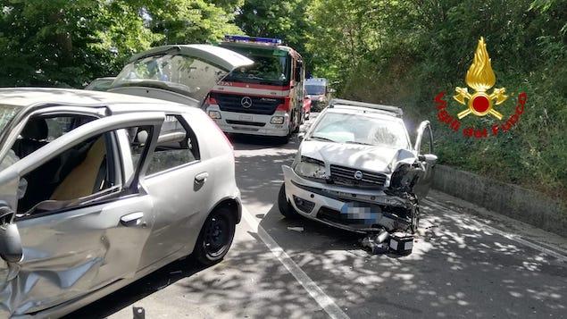 Incidente stradale a San Pietro Apostolo, tre feriti