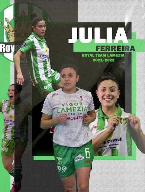 Julia Ferreira