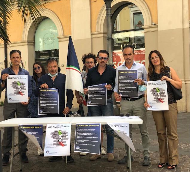 """""""L'onda tricolore contro le Mafie"""". Manifestazione di Fratelli d'Italia a Lamezia"""