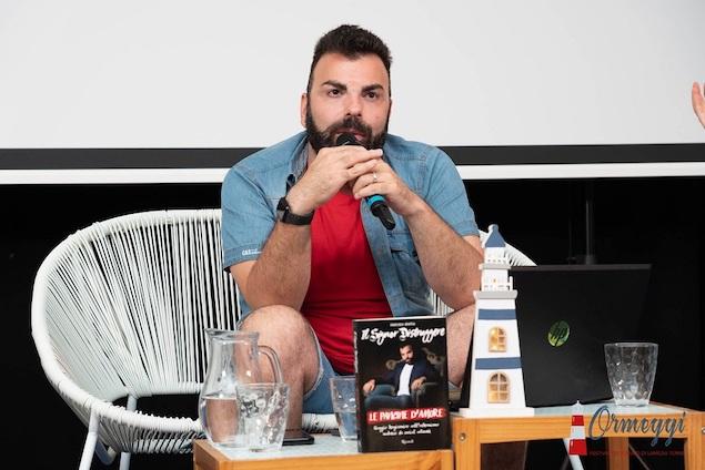 """Ad Ormeggi Festival la """"regina"""" del romanzo italiano e i fenomeni social"""