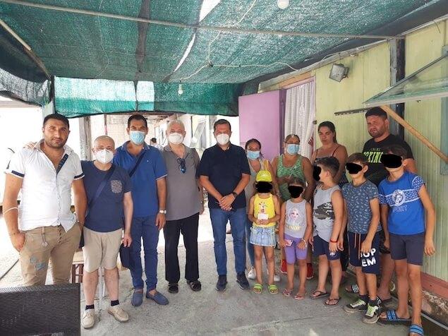Lamezia. La Caritas diocesana in visita al campo rom di Scordovillo