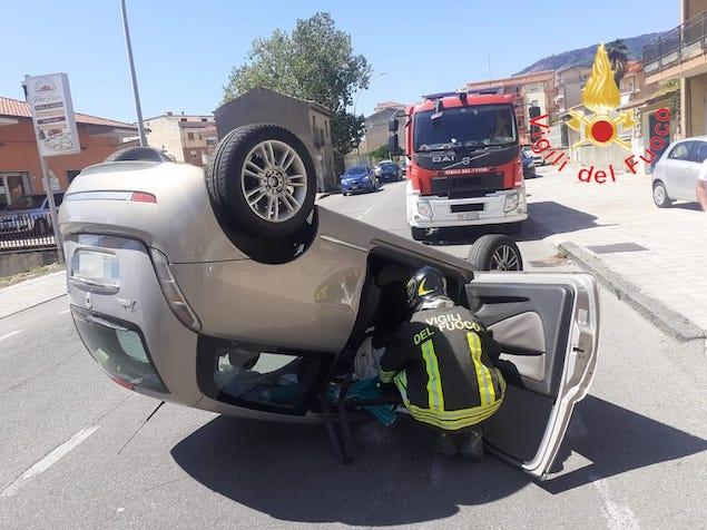 Lamezia. Incidente stradale su via Marconi, una persona ferita