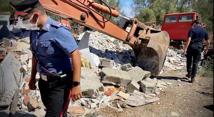 Sequestrata dai Carabinieri discarica abusiva in azienda agricola