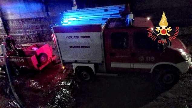 Allagamenti nel Catanzarese, ancora in atto le operazioni dei vigili del fuoco