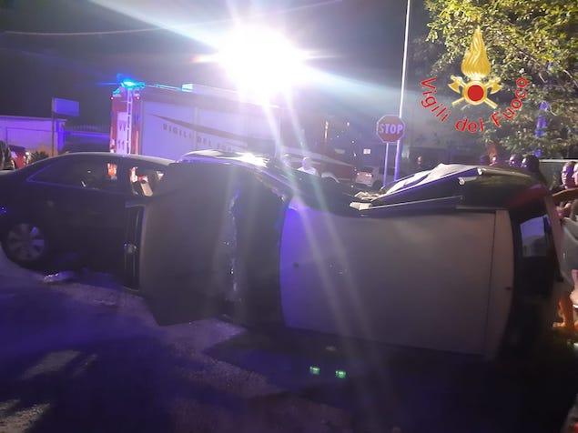 Badolato. Incidente stradale sulla SS106, due feriti