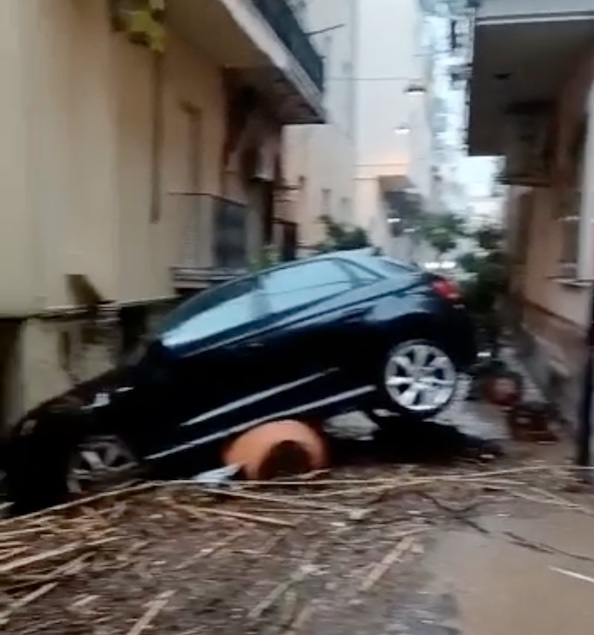 Calabria: maltempo sulla costa ionica, interventi dei vigili del fuoco