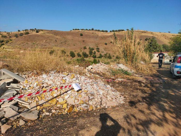 Discarica abusiva scoperta e sequestrata a Cassano