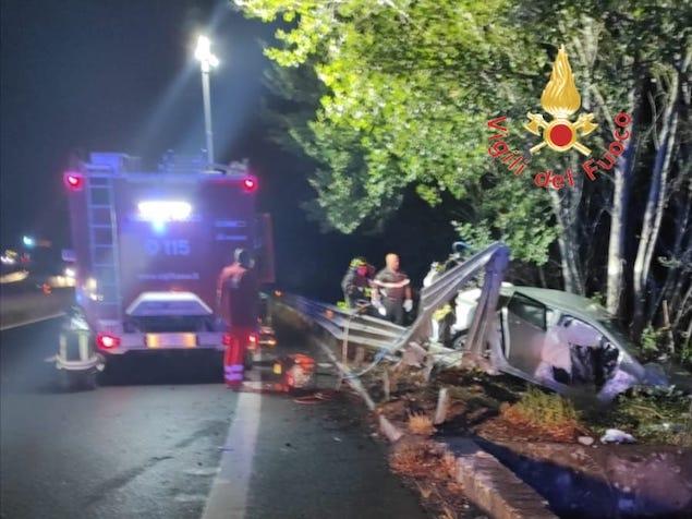 Gravissimo incidente stradale sulla SS280, un morto e un ferito