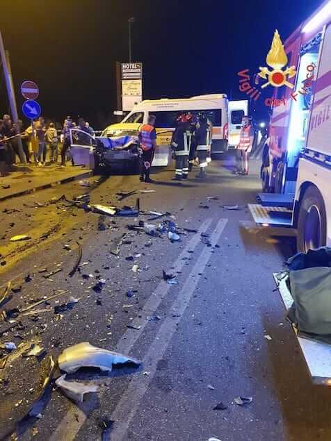 Tragico incidente stradale a Sellia Marina: due morti e un ferito grave