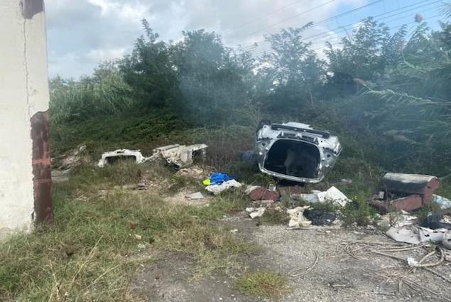 Discarica abusiva sequestrata dai carabinieri a Rosarno